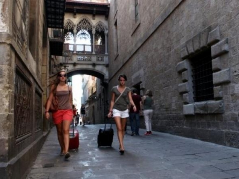 You can go shopping the Sunday in Bcn