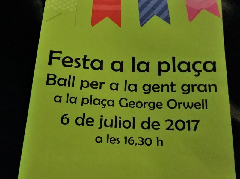 Dance with the elderly people in plaça Orwell